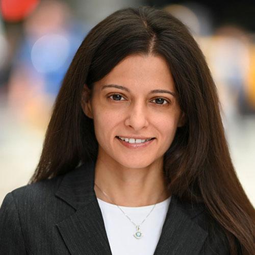 Headshot of Diya Talwar.